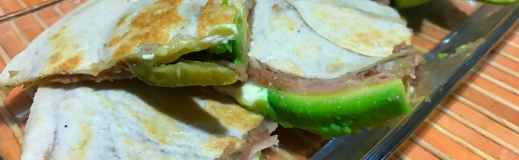La Antojadera | Sincronizada de Jamón con Frijoles Refritos