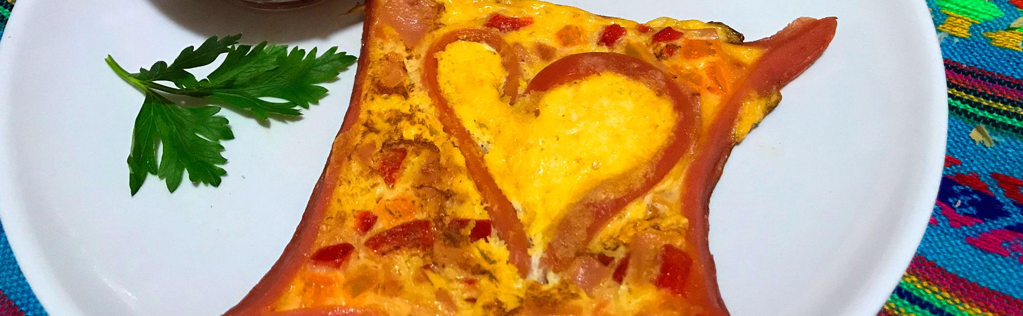 La Antojadera | Corazón de Salchicha con Huevo