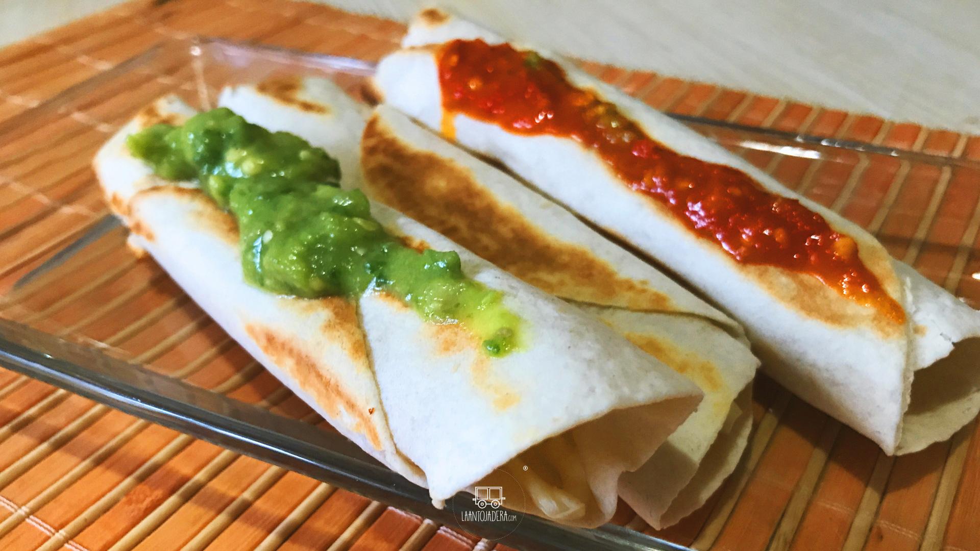 La Antojadera | Tacos de Queso