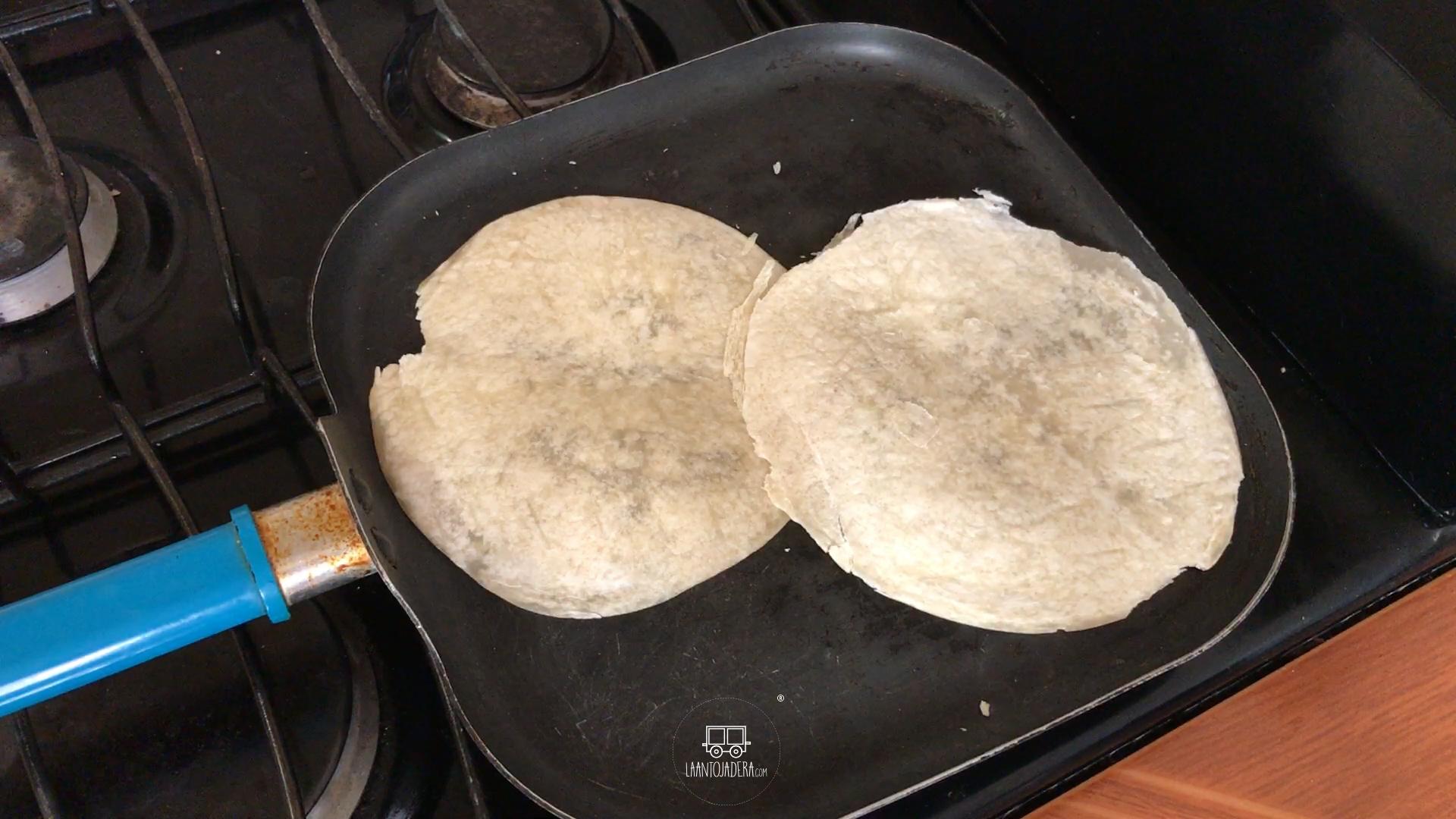 La Antojadera   Burrito de Jamón con Queso