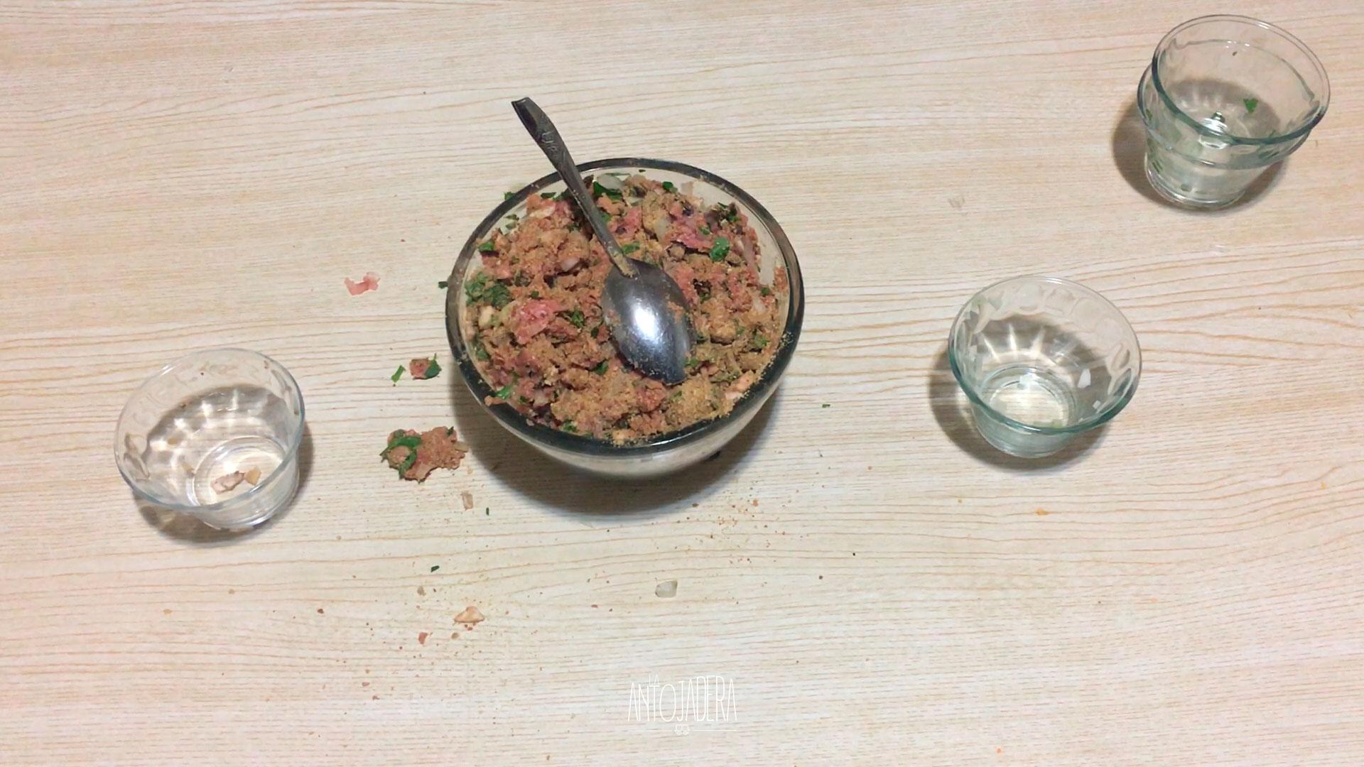 La Antojadera | Bomba de Cebolla de Carne Molida
