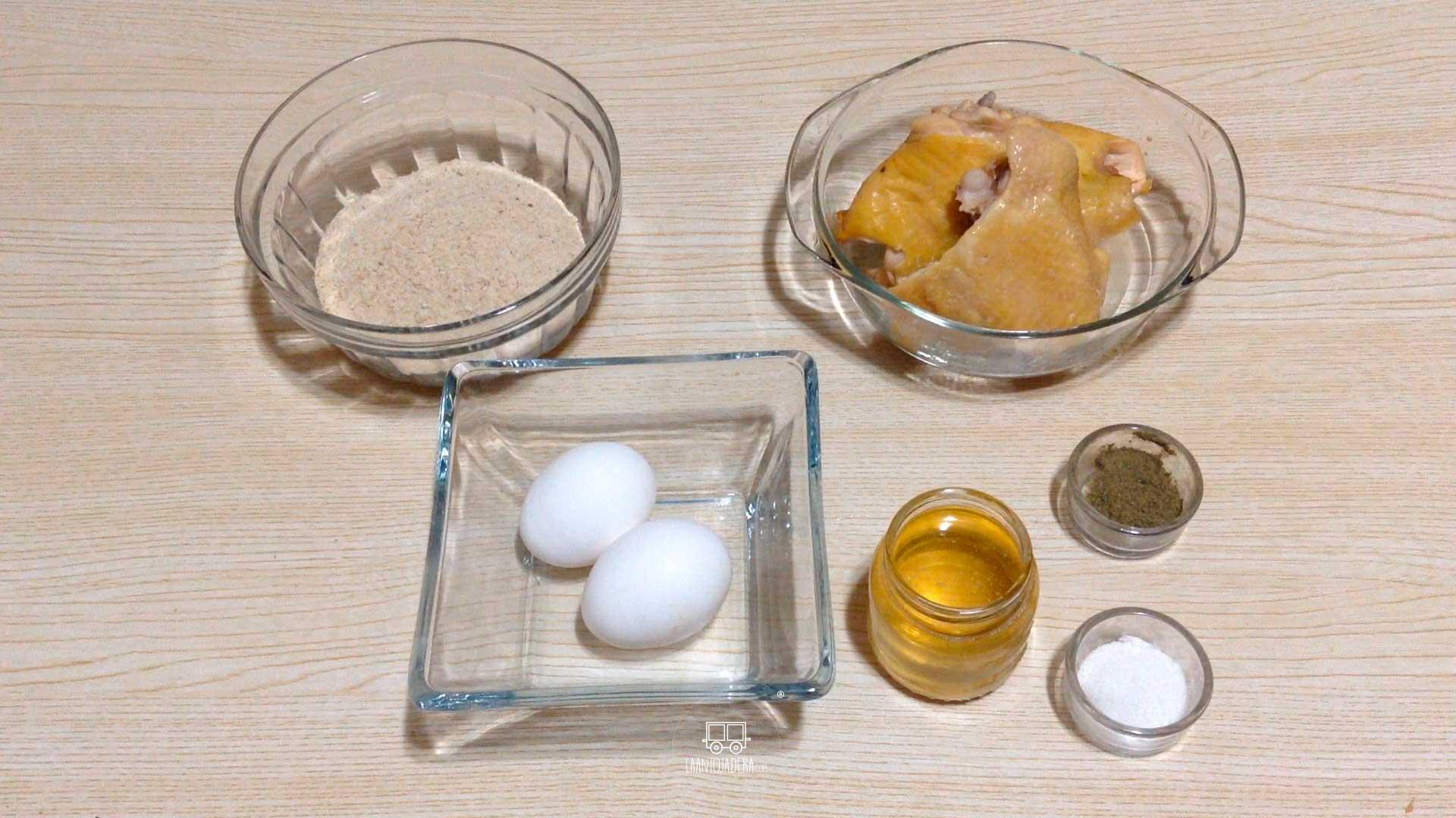 La Antojadera | Muslos de Pollo Empanizados