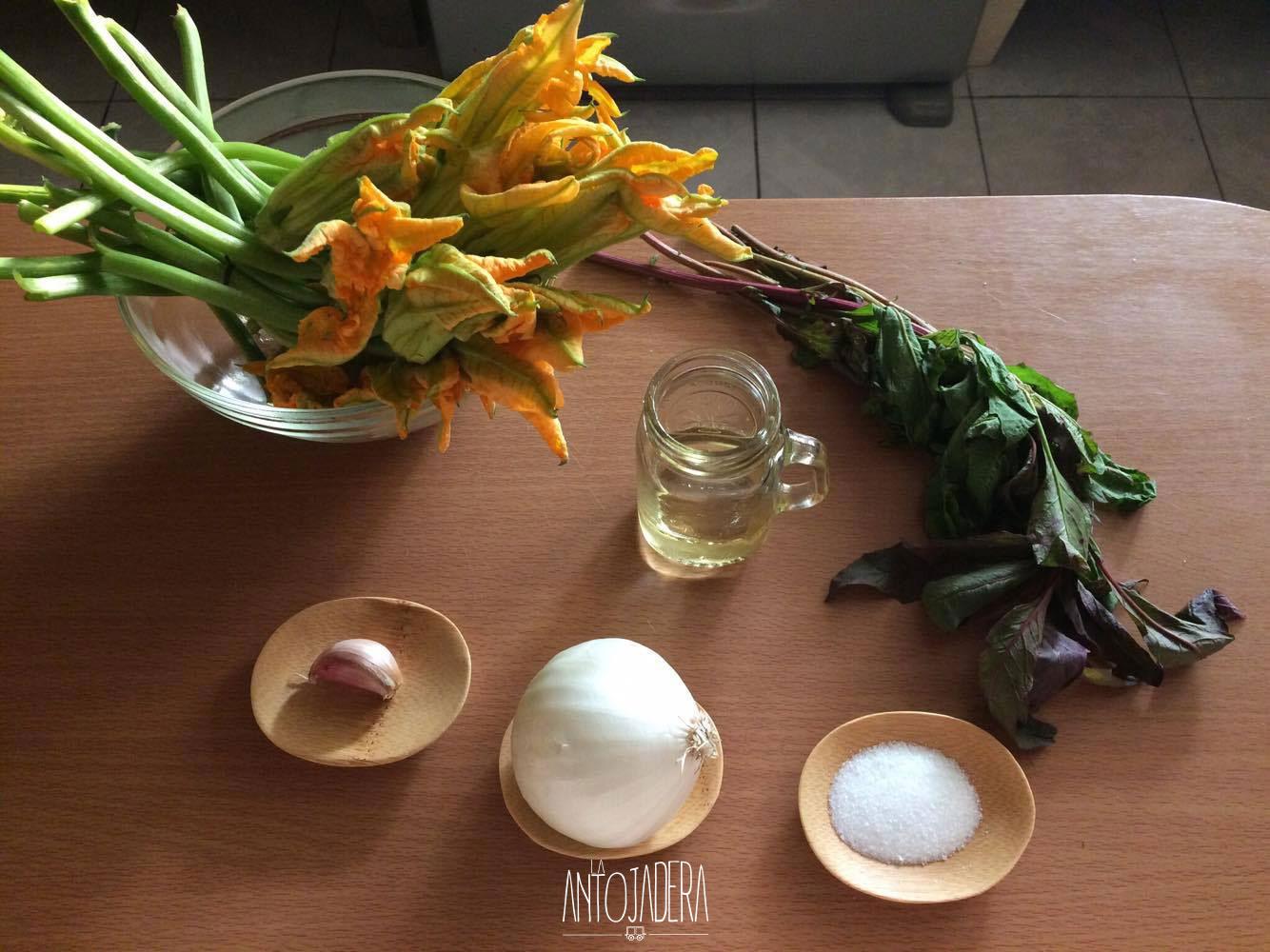 La Antojadera | Quesadillas de Flor de Calabaza