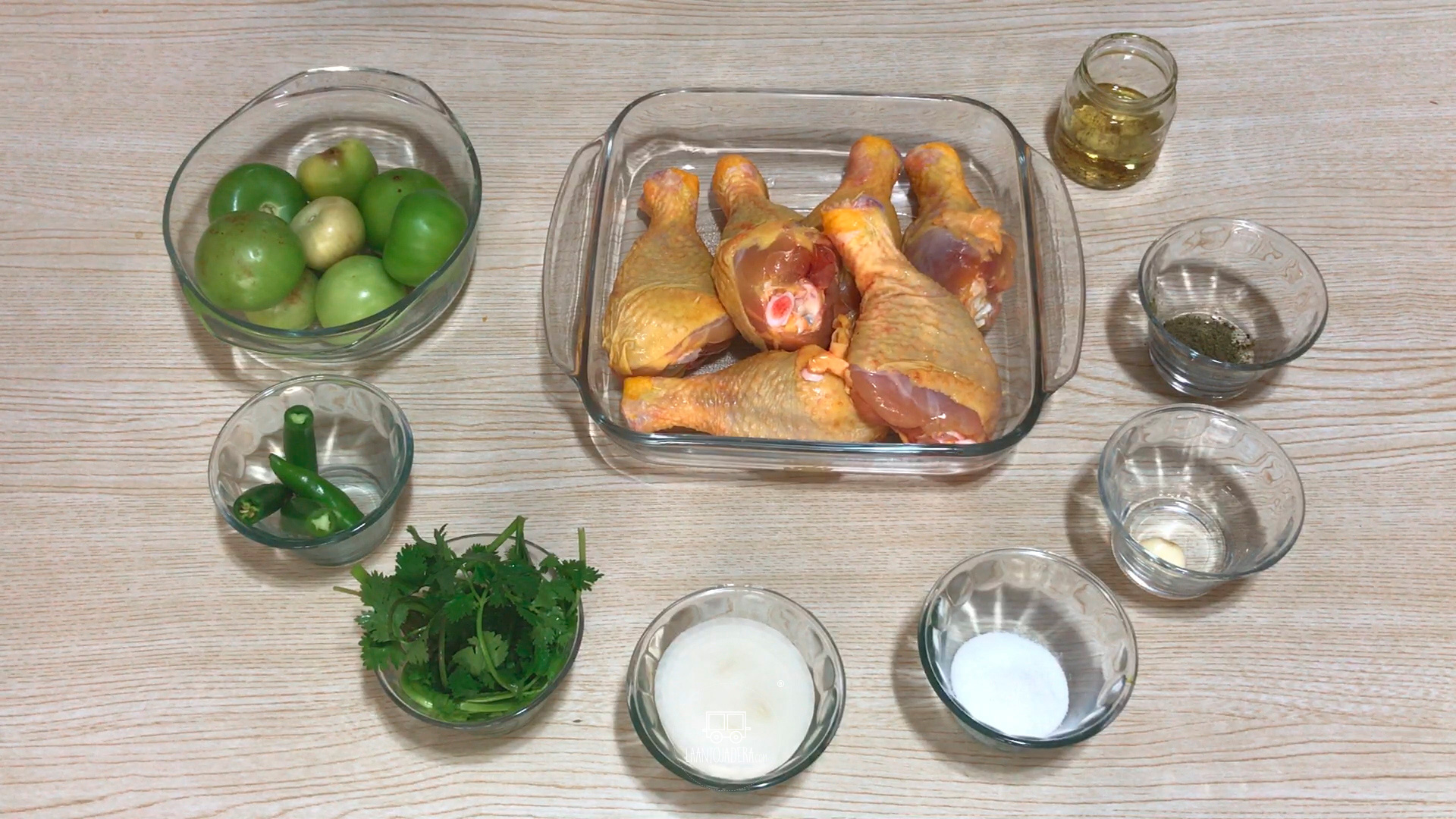 La Antojadera | Pollo en Salsa Verde
