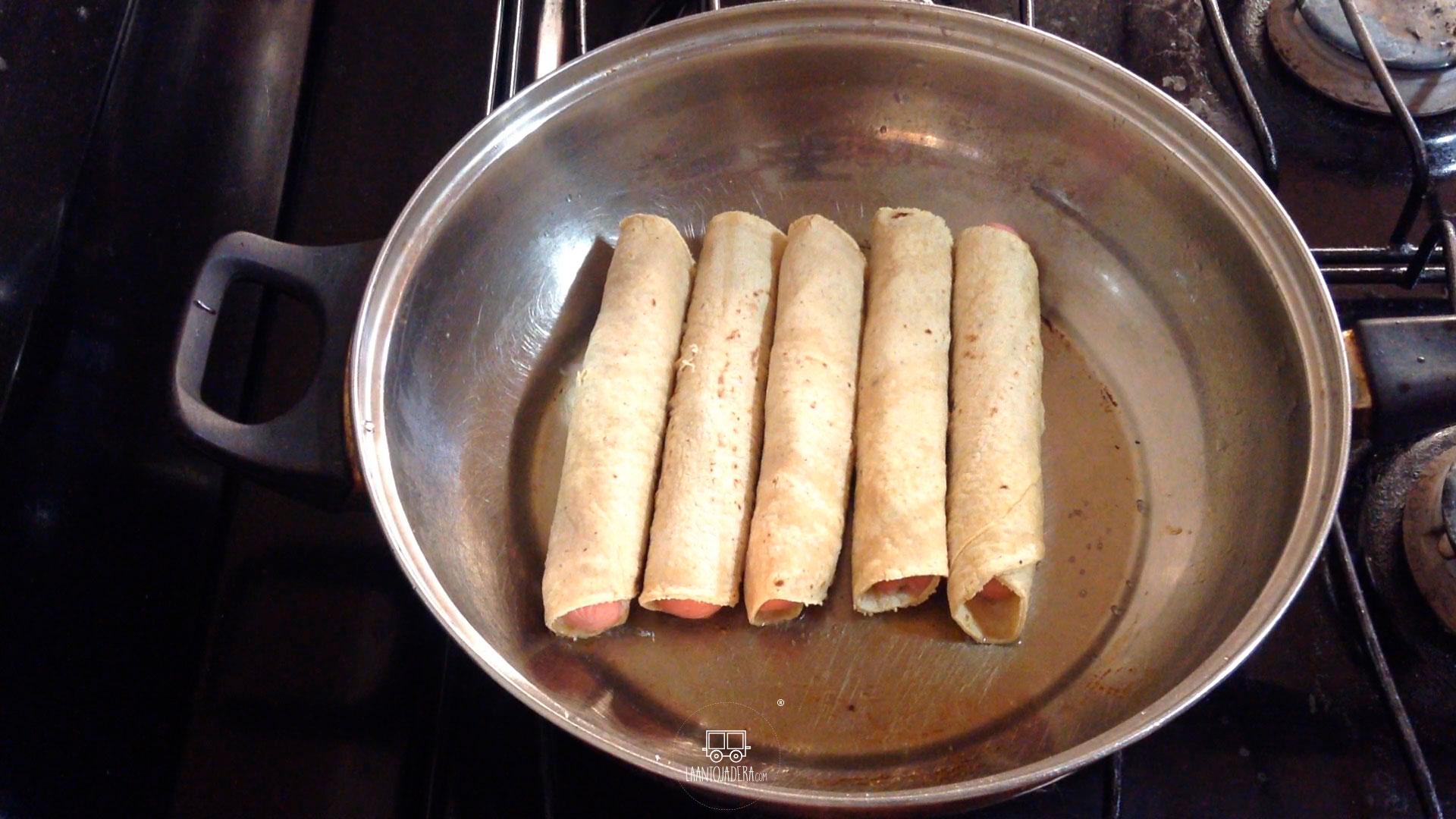 La Antojadera | Tacos Dorados de Salchicha