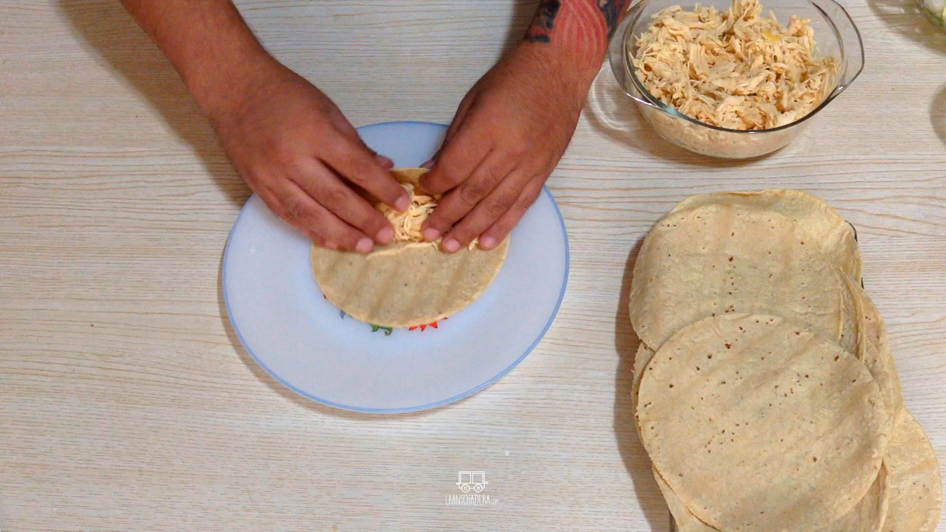 La Antojadera | Flautitas de Pollo
