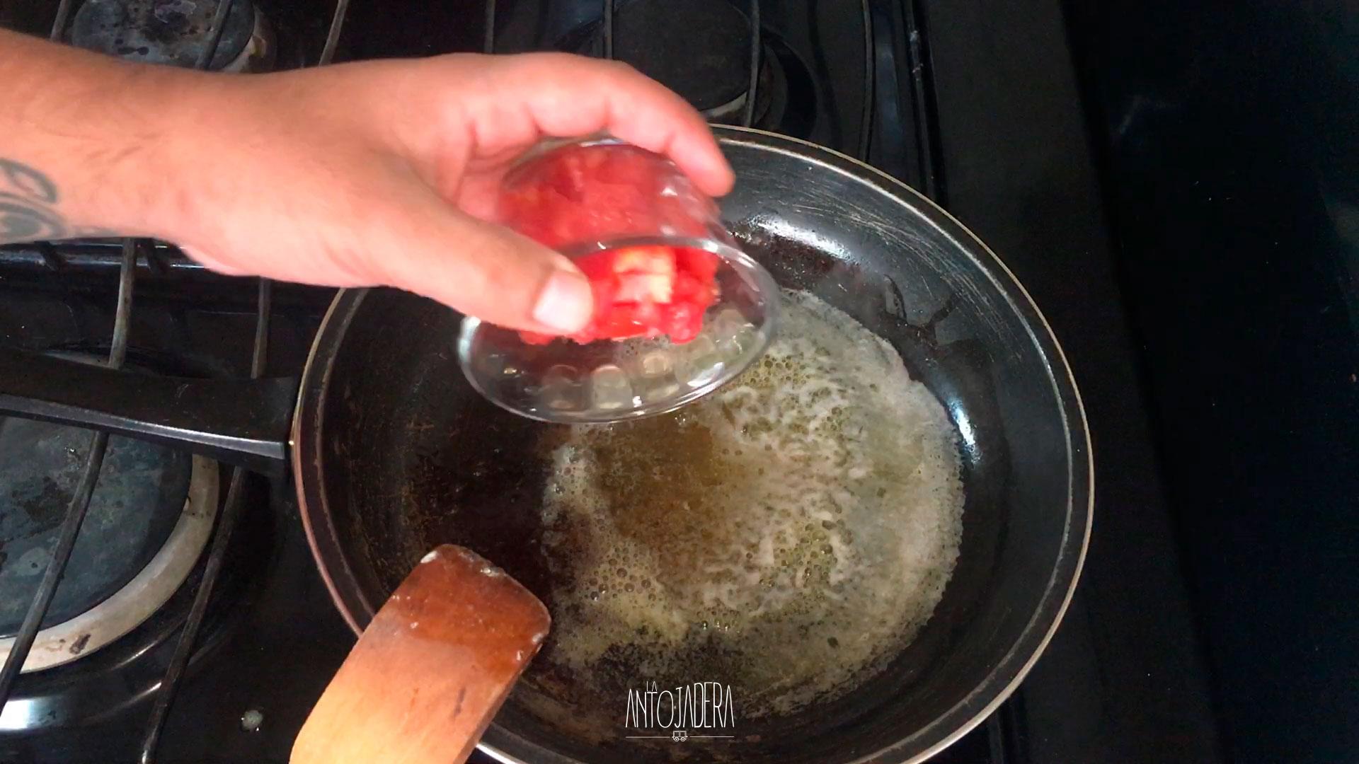 La Antojadera | Huevos a la Mexicana