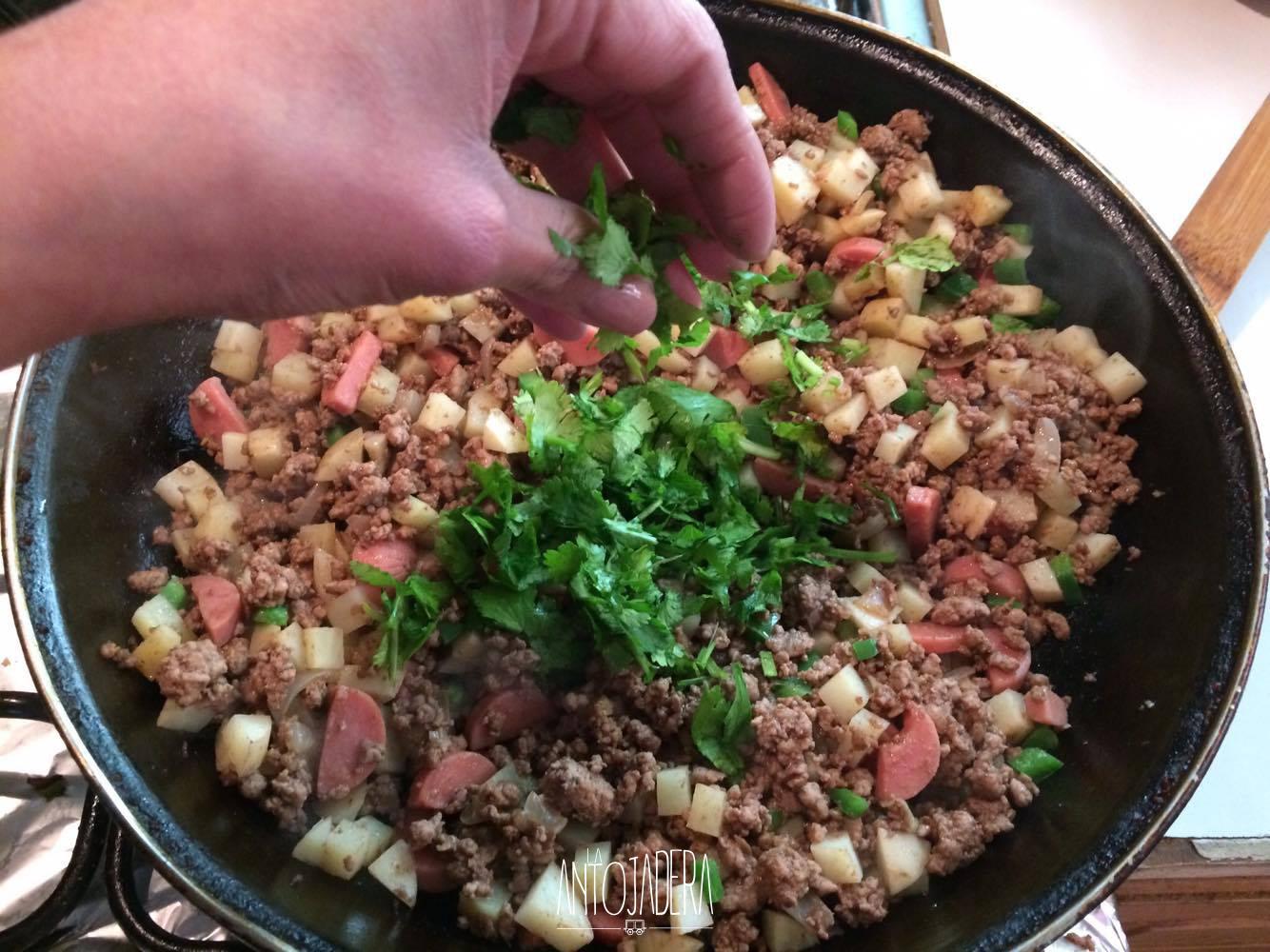 La Antojadera | Pimientos Rellenos de Carne