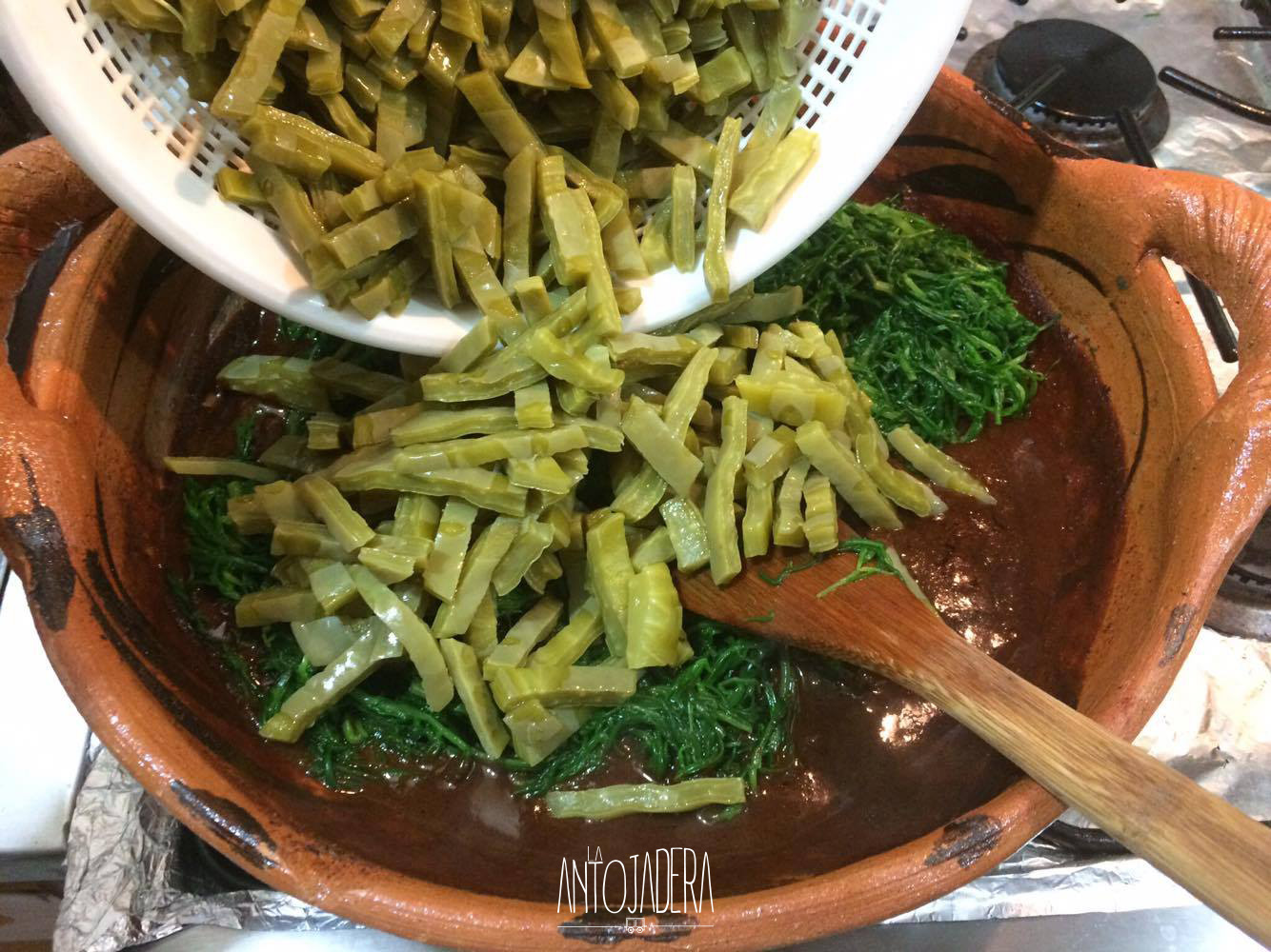 La Antojadera | Romeritos con Mole y Tortitas de Camarón