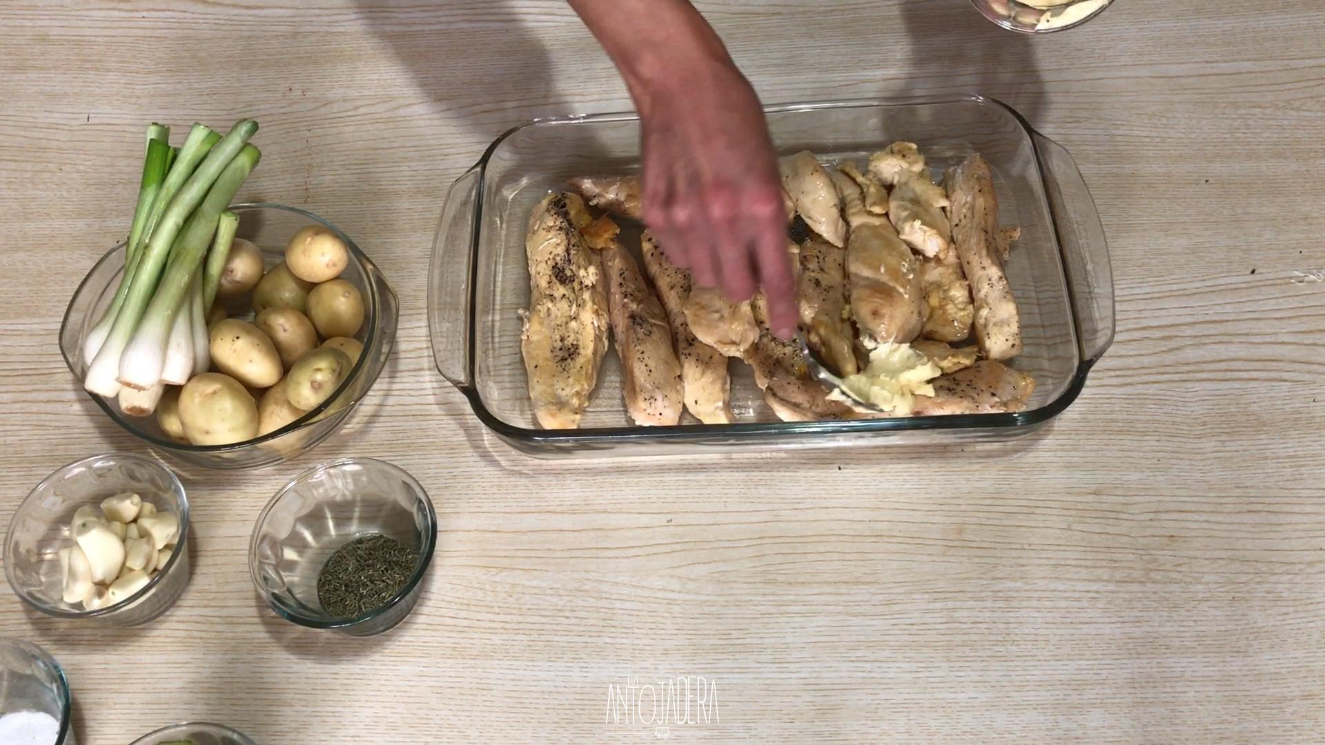 La Antojadera | Pollo al Limón con Vegetales Horneado