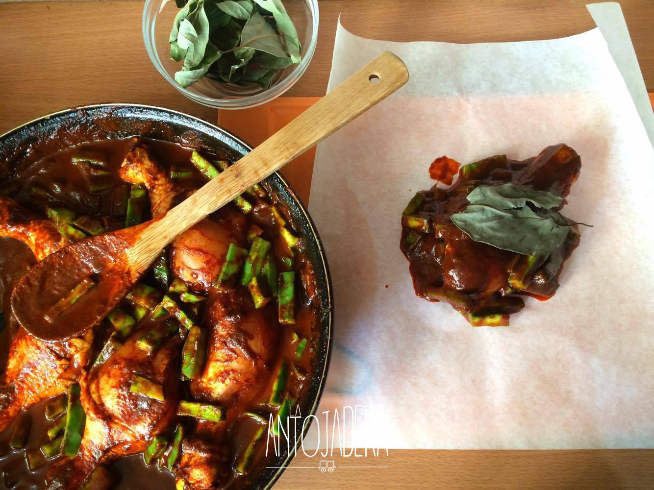 La Antojadera | Mixiotes de Pollo con Nopales