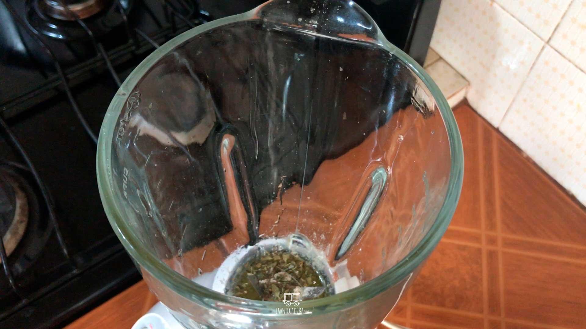 La Antojadera | Chuleta de Cerdo en Salsa Chipotle con Salsa de Perejil