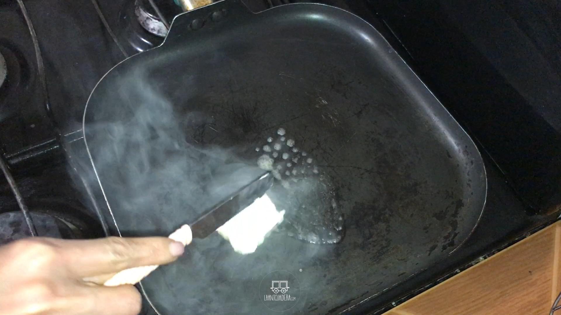 La Antojadera | Pan con Mantequilla