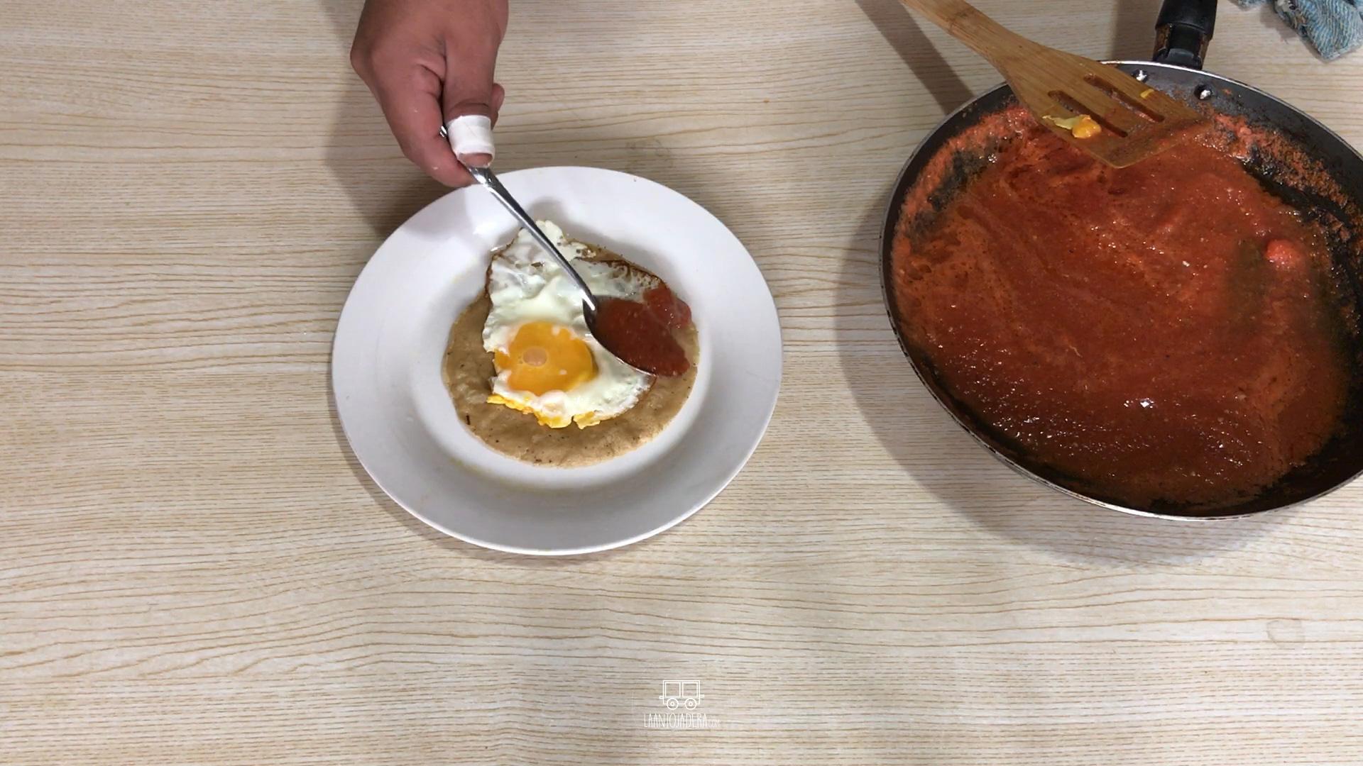 La Antojadera | Huevos Rancheros