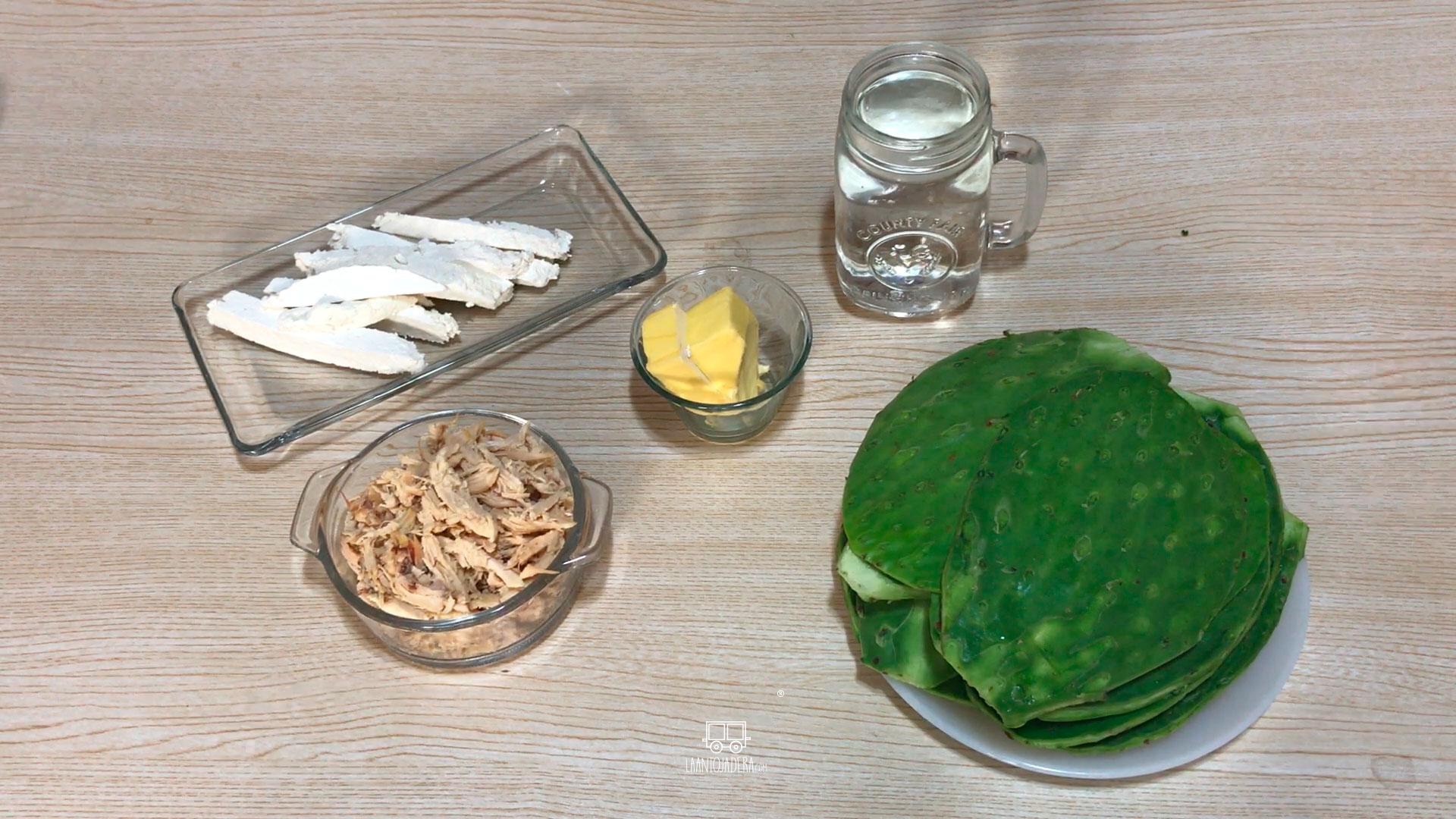 La Antojadera | Nopales Rellenos de Pollo y Queso