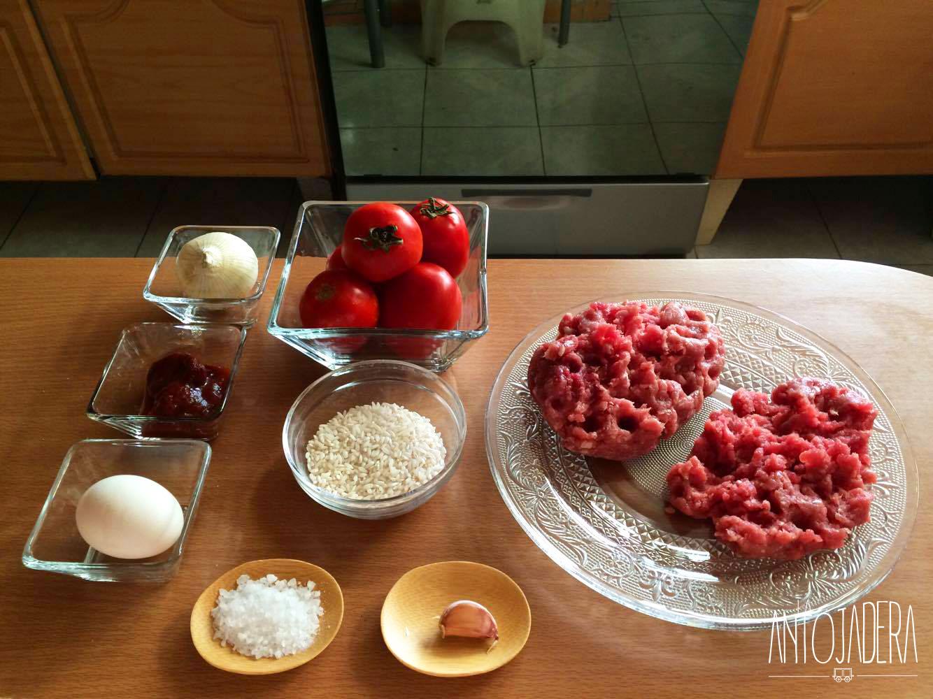 La Antojadera | Albóndigas de Res y Cerdo en Chipotle