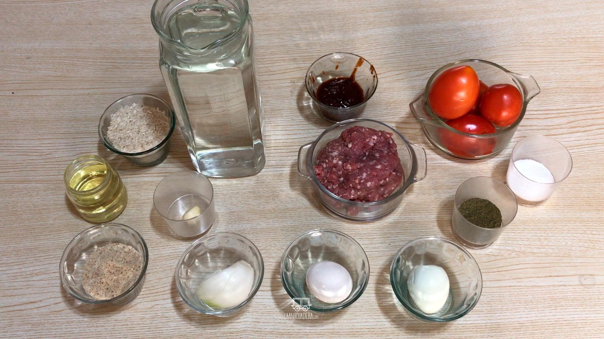La Antojadera | Albondigas de Res Rellenas de Huevo en Chipotle