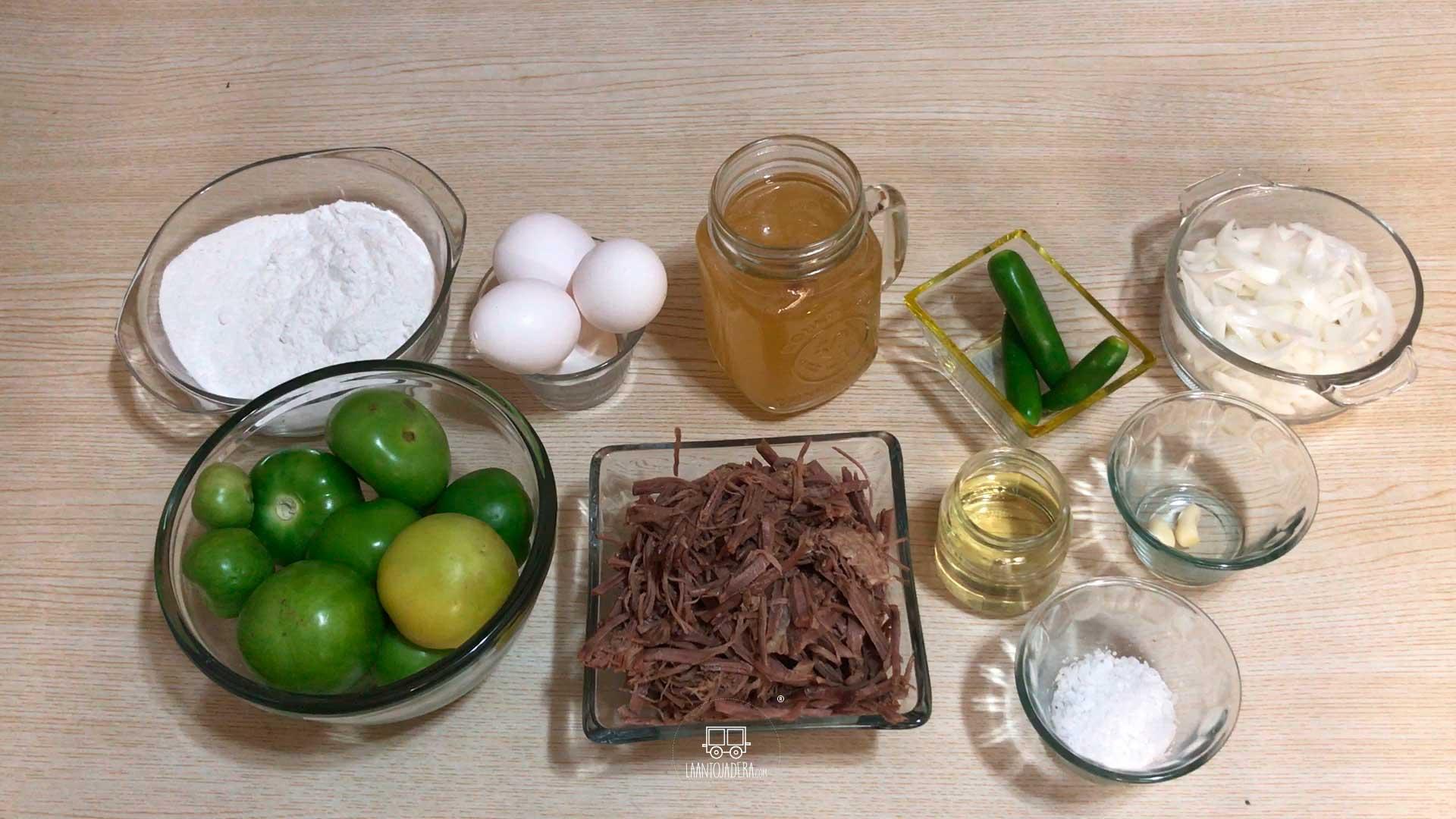 La Antojadera | Tortitas de Carne de Res en Salsa Verde