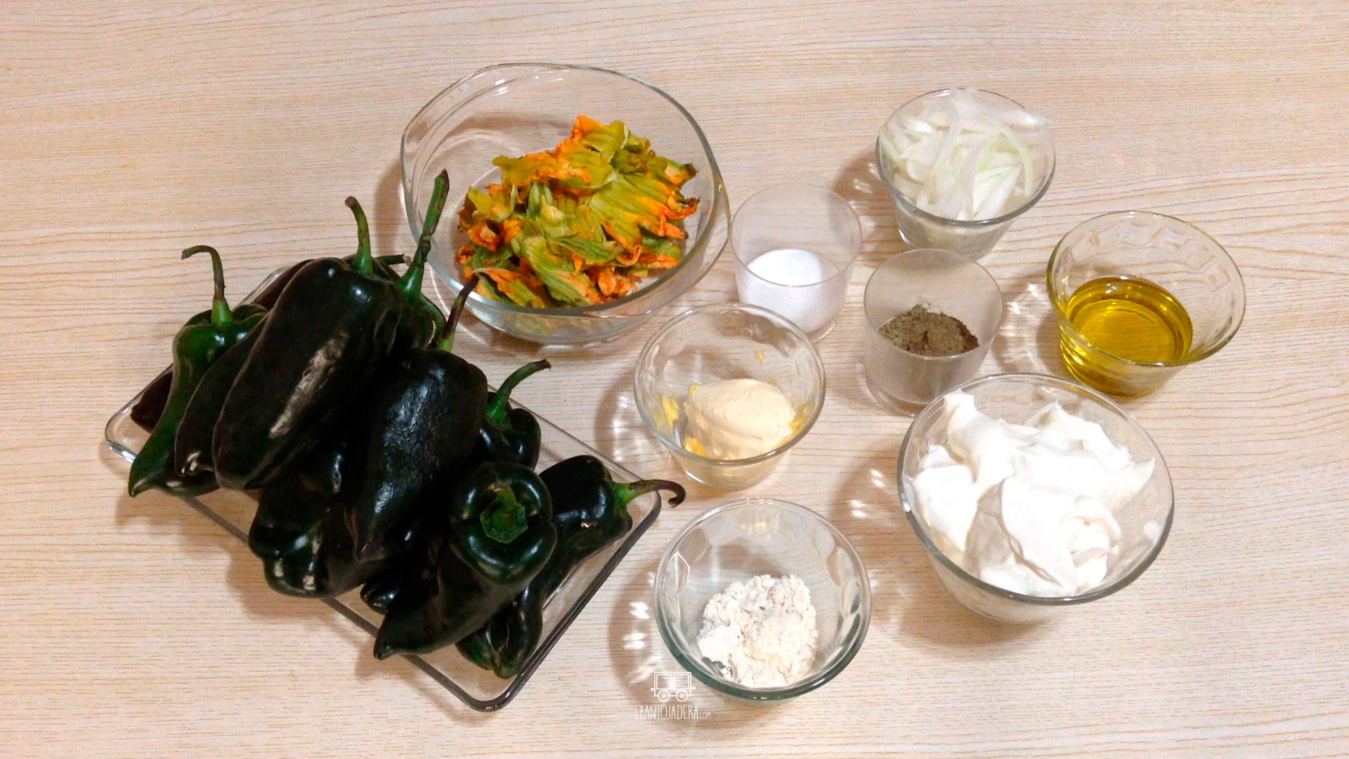 La Antojadera | Rajas con Crema y Flor de Calabaza