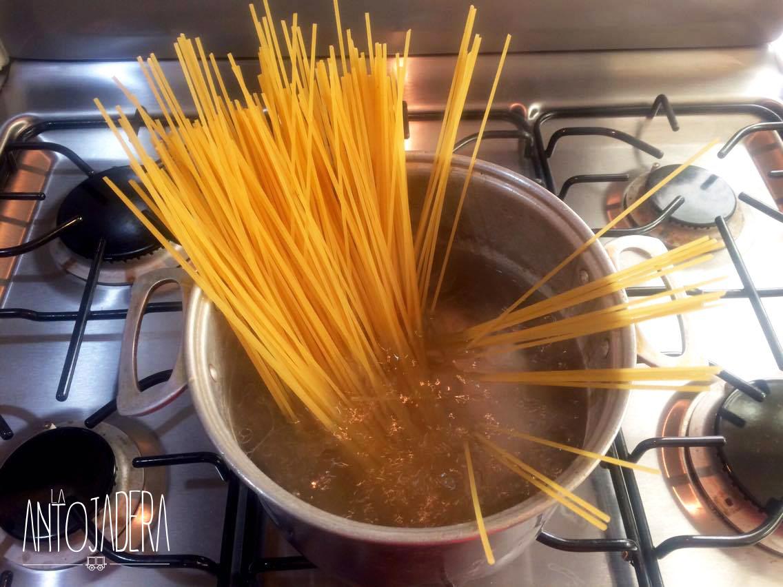 La Antojadera | Espagueti Rojo