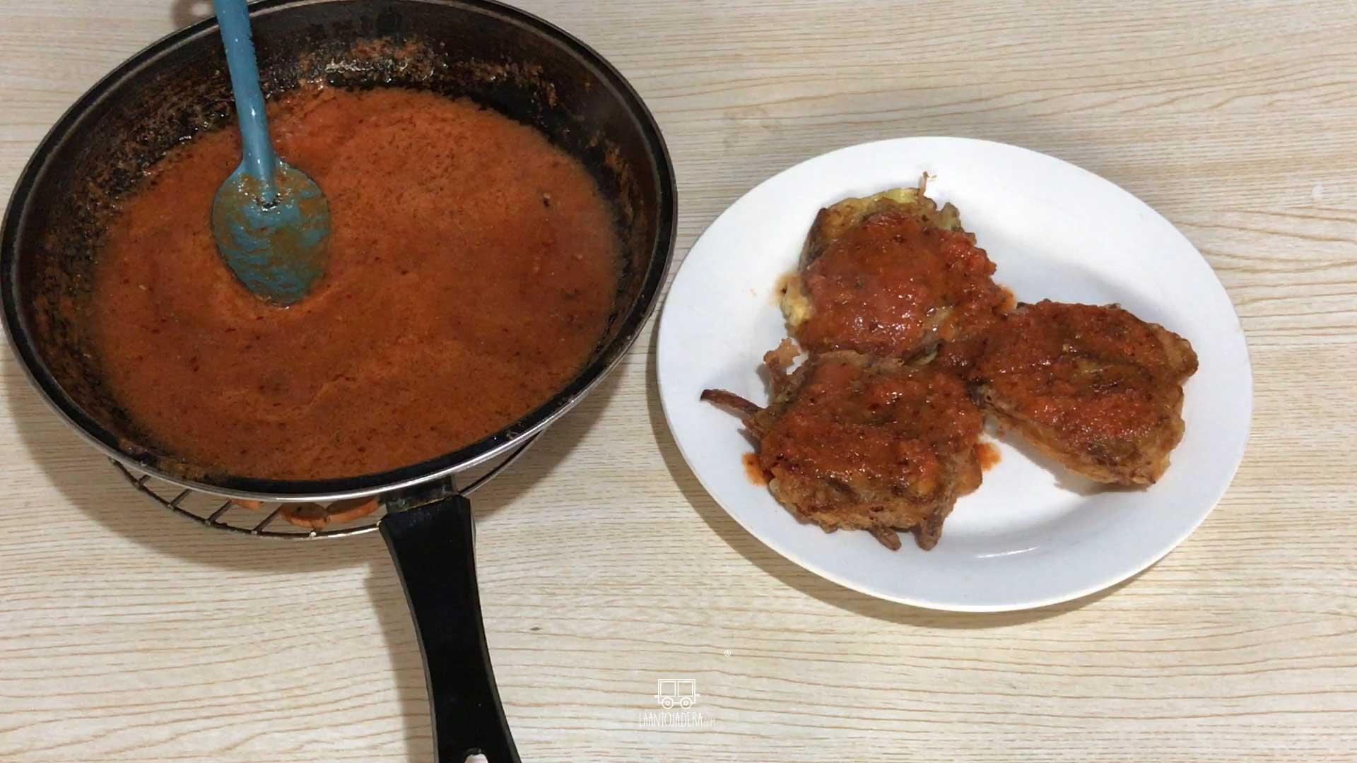 La Antojadera | Tortitas de Carne en Salsa de Chipotle