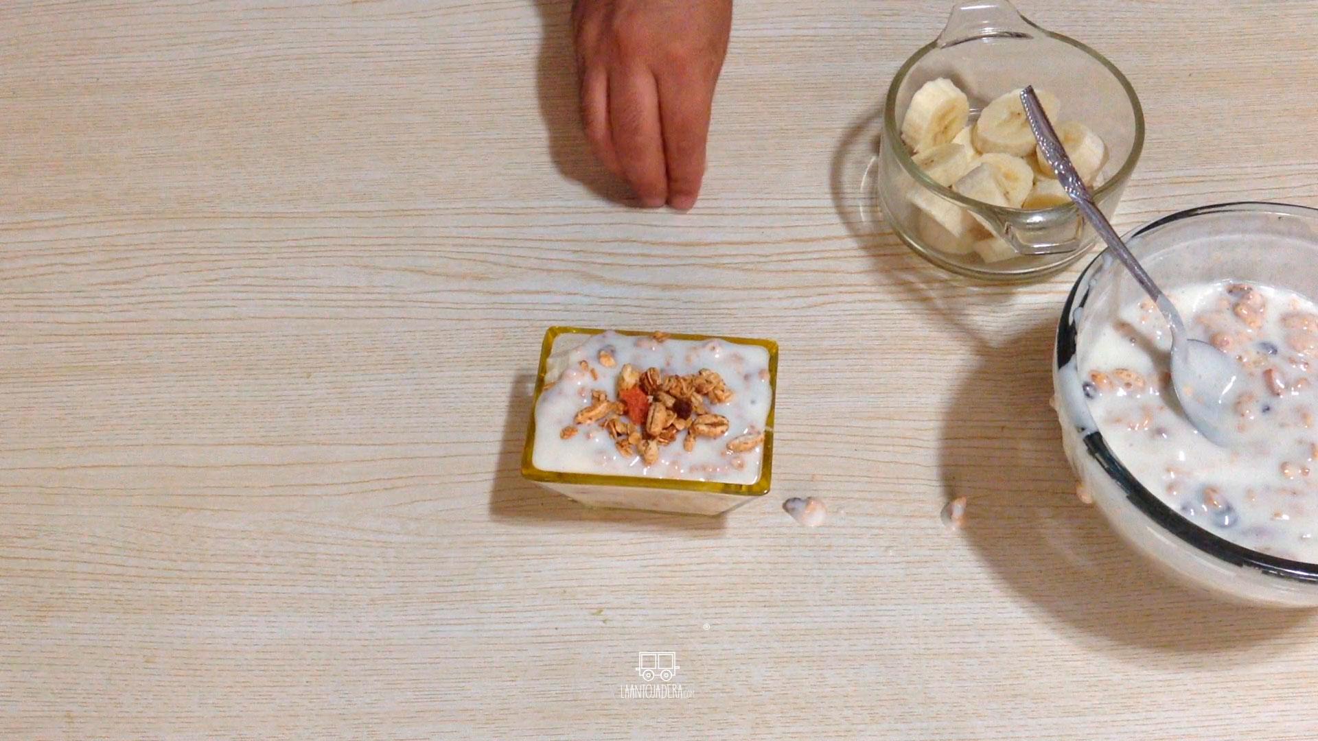 La Antojadera | Yogurt con Plátano