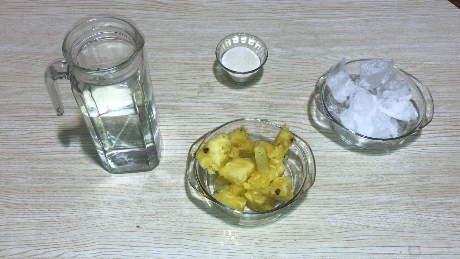 La Antojadera | Agua de Piña
