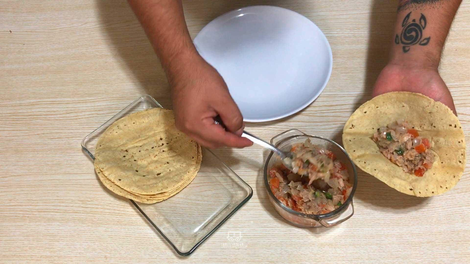 La Antojadera | Quesadillas de Atún a la Mexicana