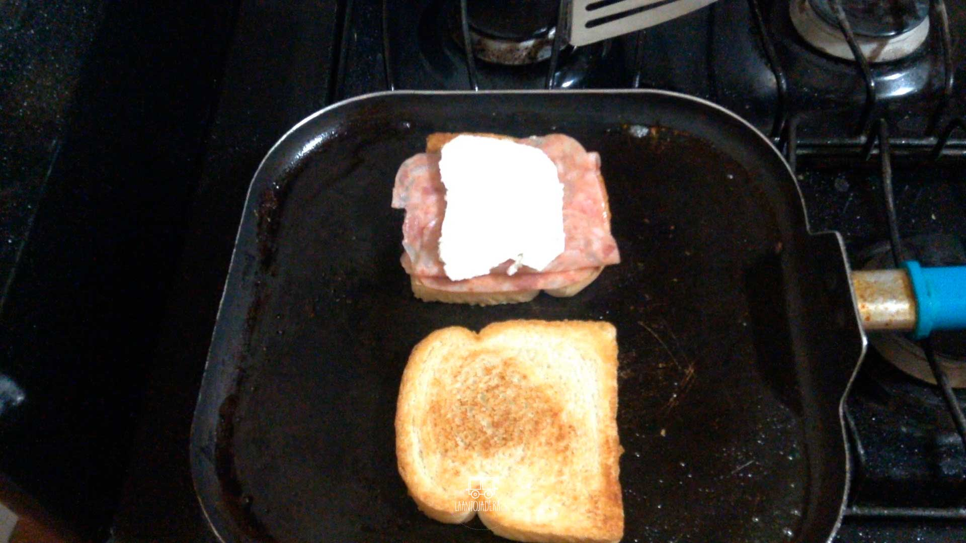 La Antojadera | Sandwich de Queso de Puerco con Queso Panela