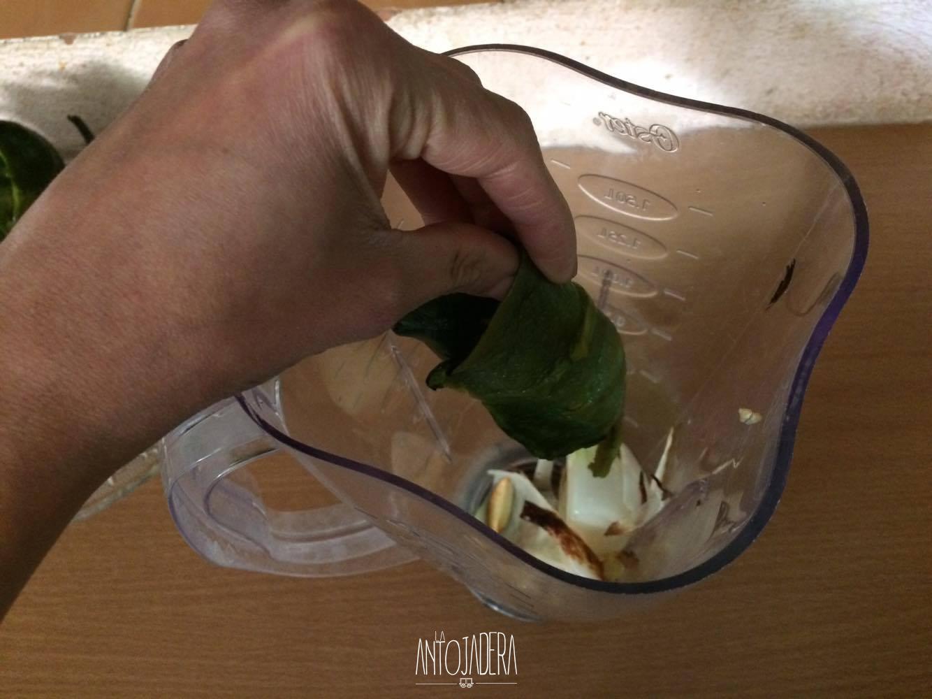 La Antojadera | Chiles Rellenos de Queso en Crema