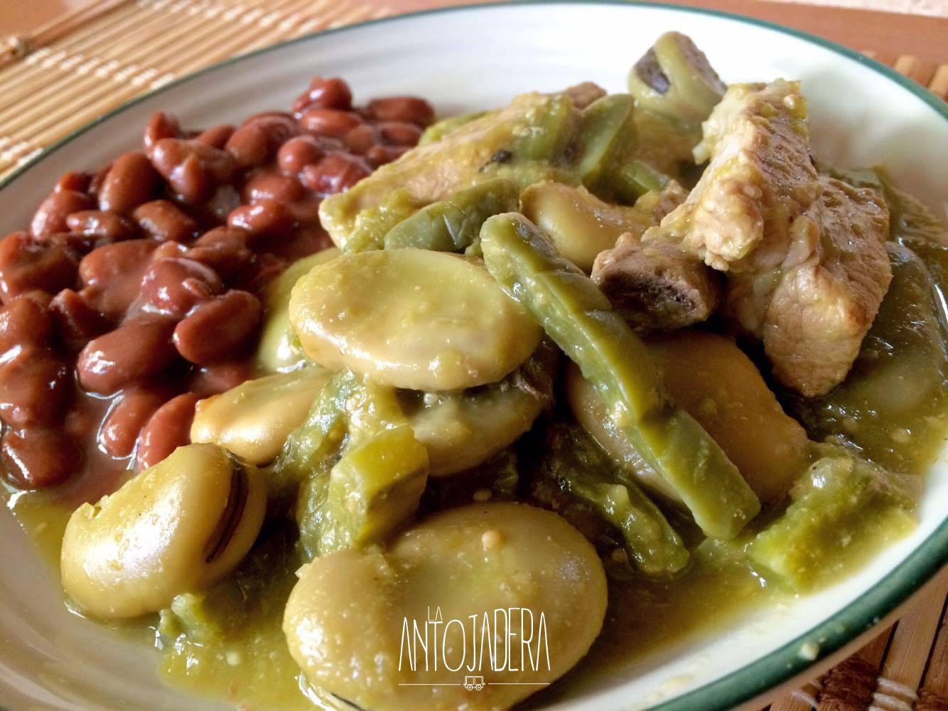 La Antojadera | Costillas de Puerco con Habas y Nopales en Salsa Verde