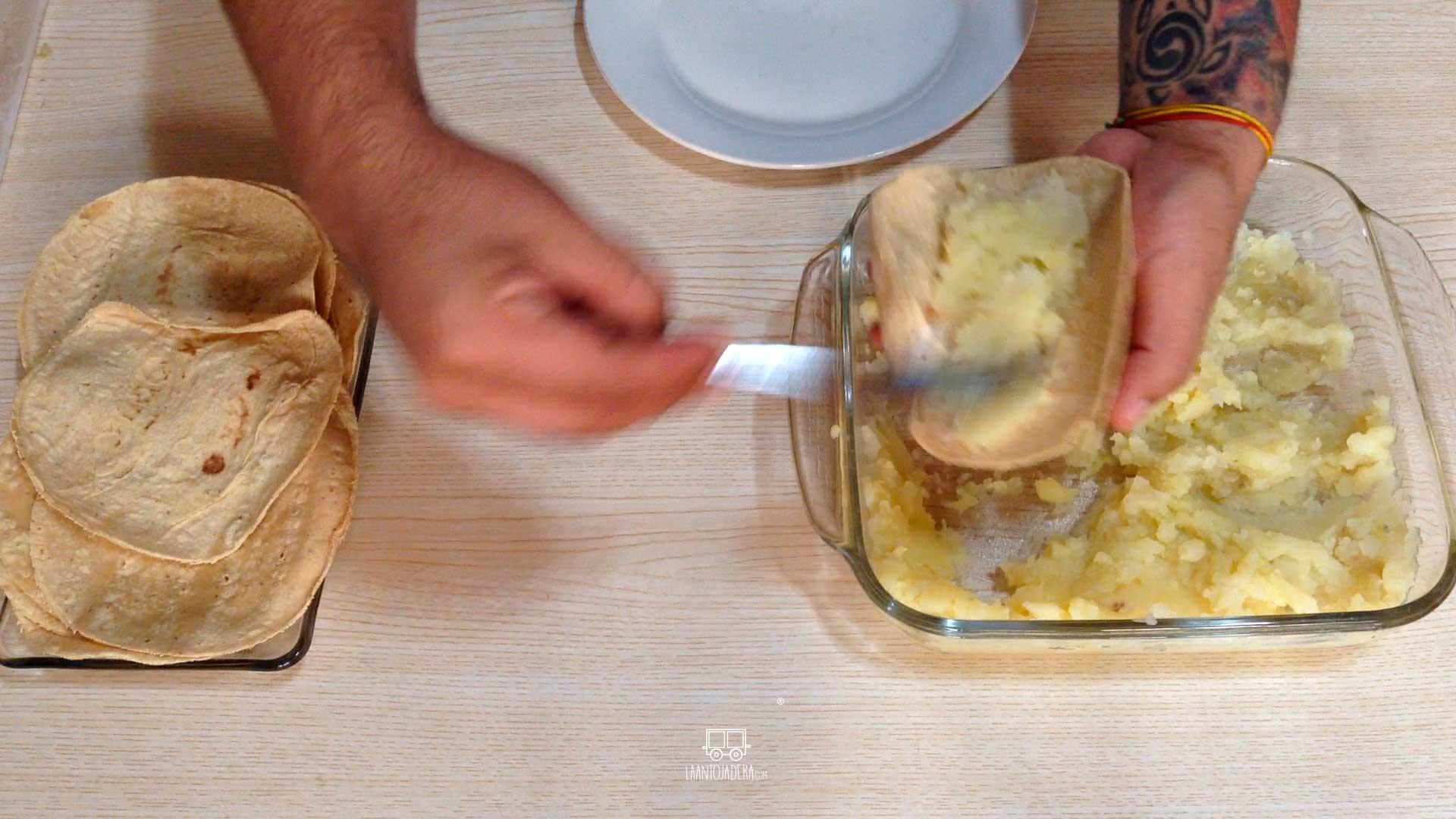 La Antojadera | Tacos Dorados de Papa