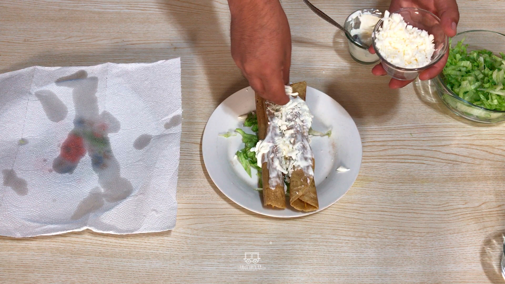 La Antojadera | Flautas de Pollo